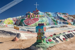 Slab City, Salvation Mountain (1).jpg
