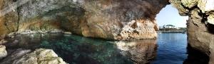 Grotten von Portinax