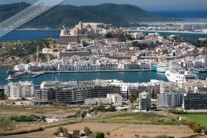 Ibiza Hafen und Stadt April 13