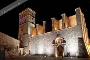 Kathedrale bei Nacht  (2)