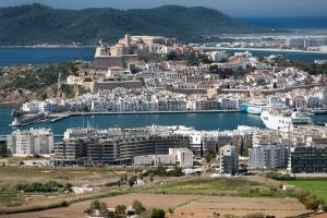 Ibiza Hafen und Stadt