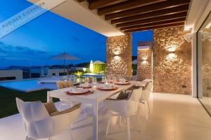 Villa Cala Comte 023.jpg